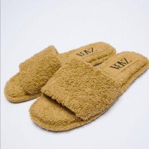 NWT's Zara Terry Cloth Flat Sandal Mustard 7.5 38